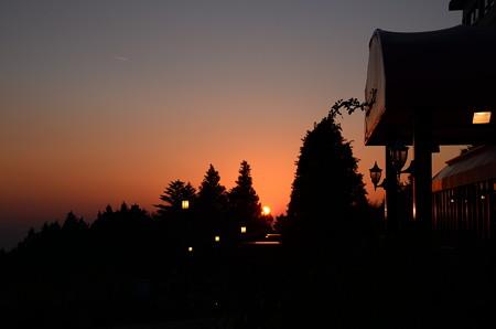 ガーデンミュージアム比叡の夕陽