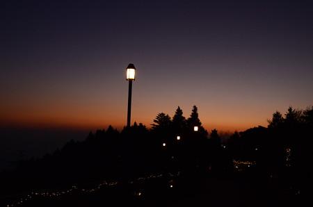 ガーデンミュージアム比叡の夕暮れ