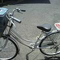 写真: 肉を乗せた自転車。お花見ス...