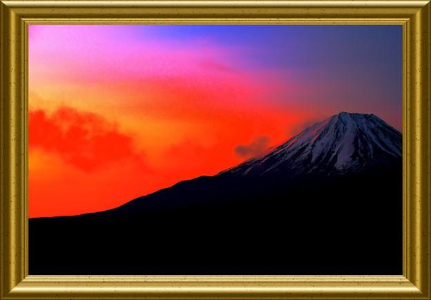 写真: 暁の稜線