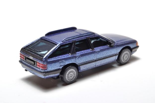 サントリーボス_アウディコレクション Audi 100 Avant_002