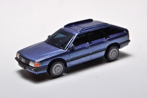 サントリーボス_アウディコレクション Audi 100 Avant_001
