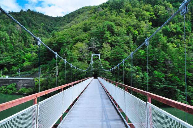 為栗駅へ続く吊り橋