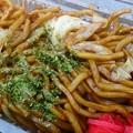 Photos: ソースばばぁさん@正田スタの上州太田太麺焼きそば(400円)。屋号の通りソースたっぷり。麺も美味いがやはり群馬のキャベツうめーなー^ω^ #sutameshi