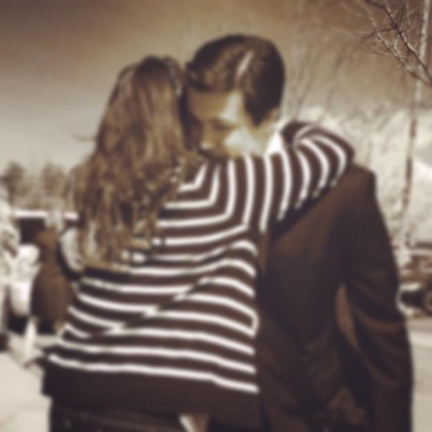 Last hug...for awhile...( ; _ ; )/~~~
