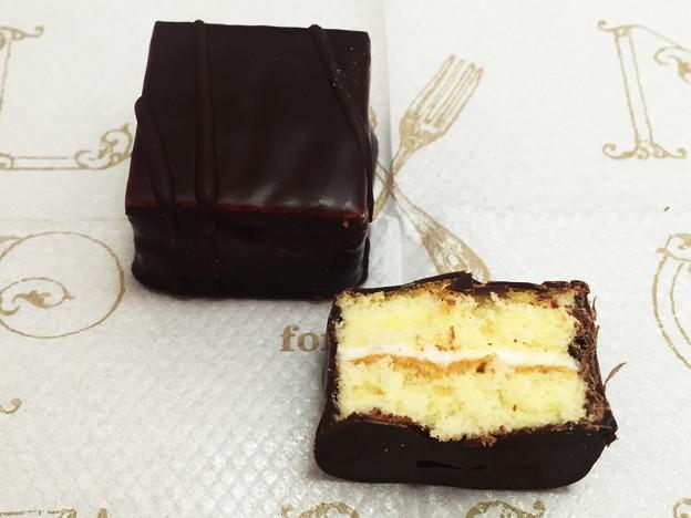『ブルボン』の「大人プチチョコレートケーキ」04