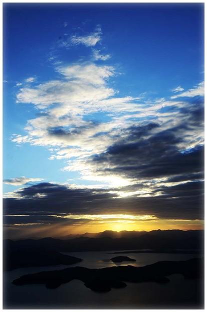 日出 (Sunrise , 日の出)