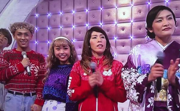 【動画】ぺこ、りゅうちぇるがNHK紅白歌合戦で西野カナを応援、見守る!
