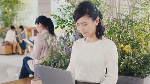 【動画】「マクロビ派ビスケット」新CMの女性・OLは誰?女優・田中えみさん