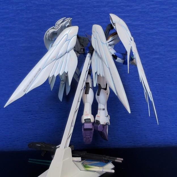 09 MG. Wing Gundam Zero EW  XXXG-00W0