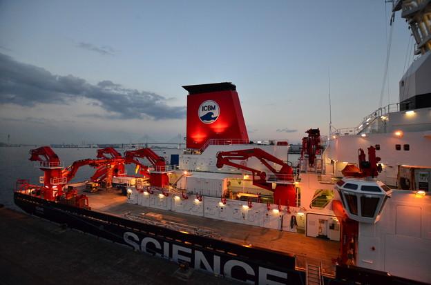 ドイツの海洋調査船「ゾンネ」3