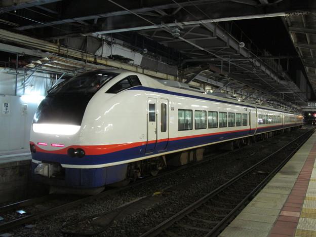 新潟駅に到着した特急「しらゆき」