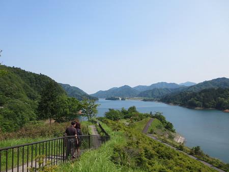 鳥居原から水の郷を望む@宮ケ瀬湖
