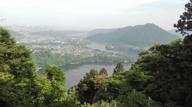 津久井湖と城山がみえる絶景@峯の薬師