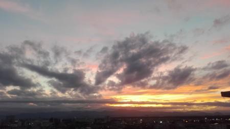 黄昏時、きれいな夕焼け。