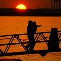 日の出~~パパに抱っこ