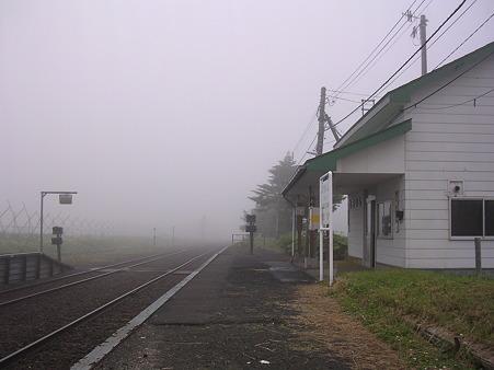 落石駅ホーム3