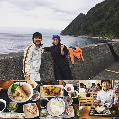 昨日初冠雪の富士山を前に。と、美味しい貝殻亭さんのランチ