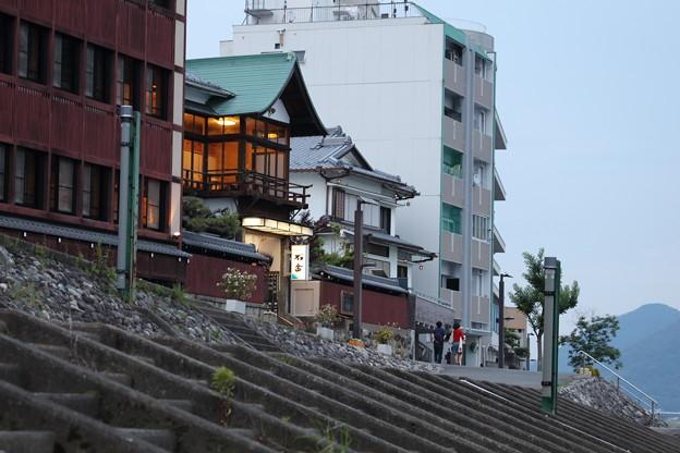 河川敷の旅館