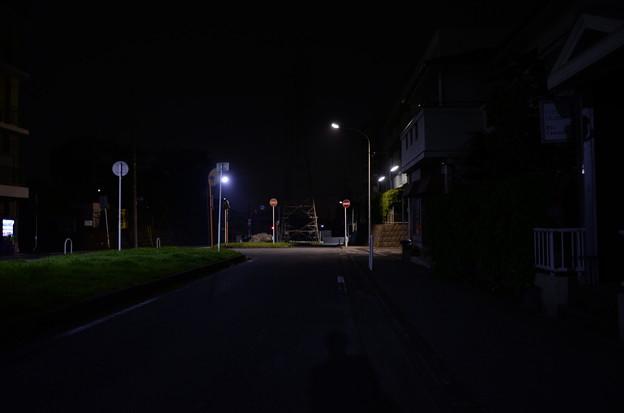 人気の全くない道路(2)