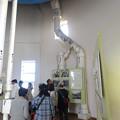 写真: 東山給水塔の一般公開 No - 039:天井の貯水タンクから伸びる水道管
