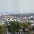 写真: 東山給水塔の一般公開 No - 063:展望階から見た景色(謎の白い塔)