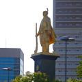 Photos: JR岐阜駅前の織田信長像(昼) - 5
