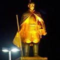 Photos: JR岐阜駅前の織田信長像(夜) - 2
