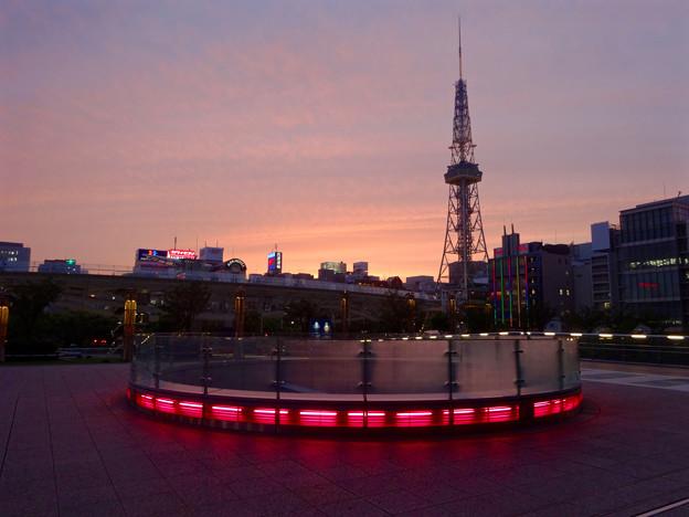 写真: 愛知芸術文化センター前から見た夕焼け - 1