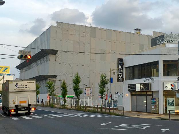写真: 建物の解体が始まった、ヤマダ電機テックランド春日井店(2016年6月) - 1