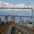 写真: あおなみ線金城ふ頭駅のホームから見た、名港トリトン「名港中央大橋」 - 1