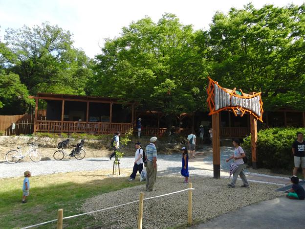 写真: 大高緑地に「ディノアドベンチャー名古屋」がプレオープン! - 1:コース入口にある施設