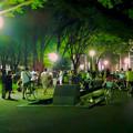 写真: ポケモンGoをやってる人が沢山いた、夜の雨上がりの白川公園 - 4