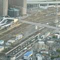 ミッドランドスクエア「スカイプロムナード」から見た景色(夕方) - 23:ささしまライブ駅と、ささしま米野歩道橋