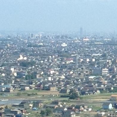 ツインアーチ138展望階から見た景色(2012年6月撮影)- 3:ナゴヤドームとザ・シーン城北