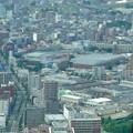 ミッドランドスクエア「スカイプロムナード」から見た景色:ルーセントタワー越しに見たトヨタ産業技術記念館(2012年9月) - 1