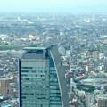 ミッドランドスクエア「スカイプロムナード」から見た景色:ルーセントタワー越しに見た三菱電機稲沢製作所のエレベーター試験塔(2012年9月) - 3