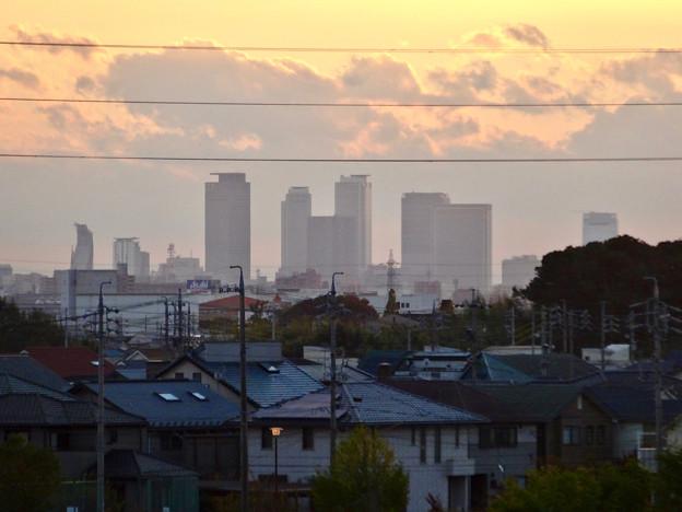 写真: 吉根橋から見た、夕暮れ時の名駅ビル群 - 3