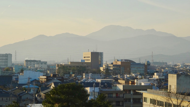 大垣城 - 43:最上階から見た景色(伊吹山)