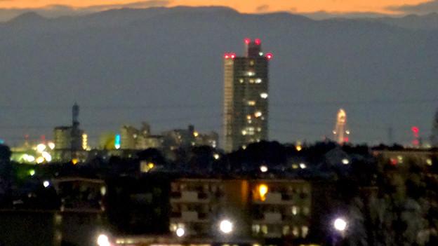 アピタ高蔵寺店屋上から見た景色(夕暮れ時) - 3:桃花台方面