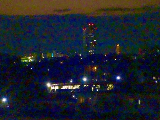 アピタ高蔵寺店屋上から見た景色(夕暮れ時) - 21:桃花台方面