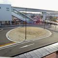 写真: 長久手古戦場駅とイオンモール長久手の間にあるバスターミナル