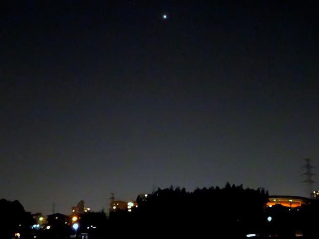 最大光度前日(2017年2月16日)、普段より輝く金星 - 11