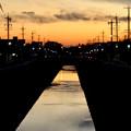 写真: 夕暮れ時の地蔵川 - 2