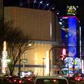 写真: 大津通から見た、ビル越しの夜のサンシャインサカエ観覧車とドンキホーテのイルミネーション - 4