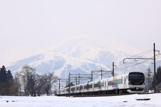 写真: 大糸線 E257系あずさ