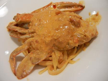 渡り蟹のトマトクリームリングイネ