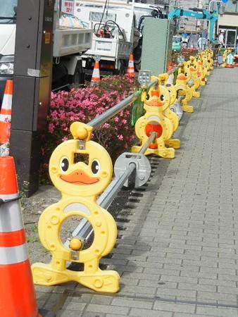 浦和で発見、単管バリケード
