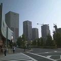 写真: まちを見渡しながら.会場の『汐入小学校』へ向かいます。