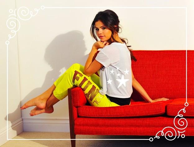 Beautiful Selena Gomez(900411)